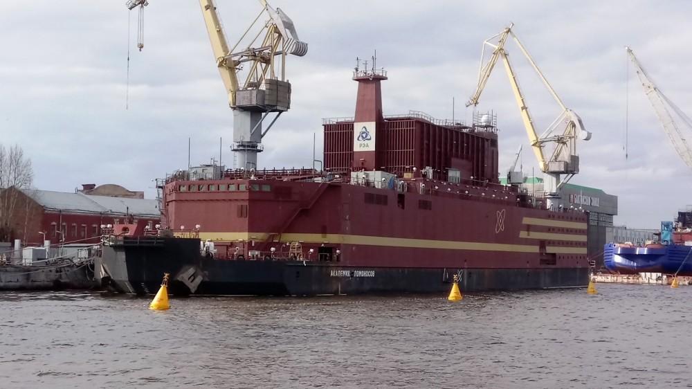 Первая плавучая атомная электростанция в мире вышла в море. В России