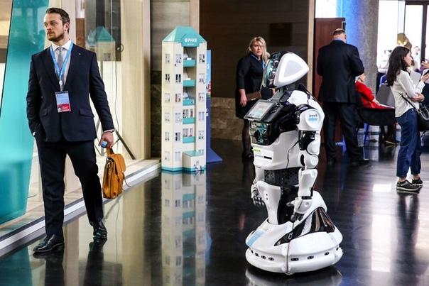 В России появятся гостиницы с роботами вместо людей.
