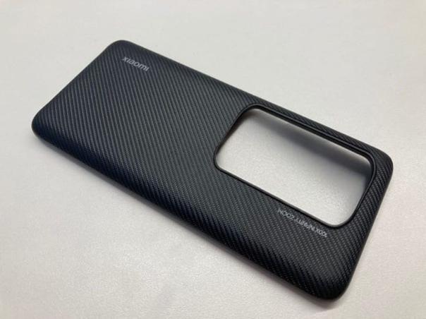 В сети появился чехол от предполагаемого Xiaomi Mi 10 Pro