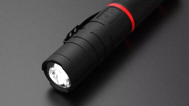 Xiaomi представила в Китае многофункциональный фонарик