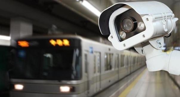 В Москве пообещали ввести оплату проезда в метро по скану лица.