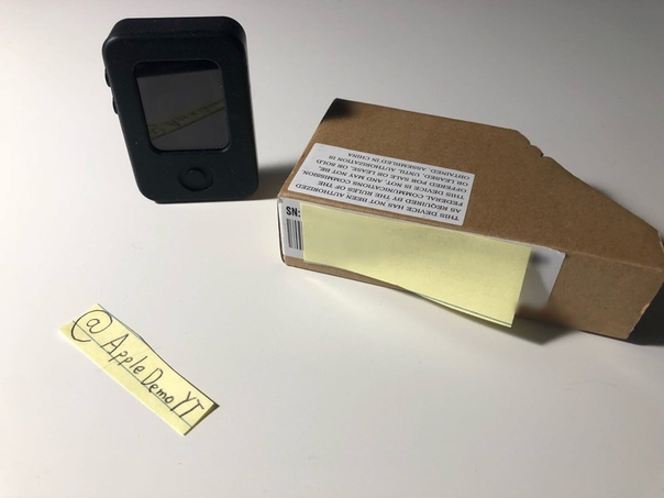 Пользователь Twitter с ником @AppleDemoYT опубликовал фотографии якобы раннего прототипа Apple Watch, облачённого в защитный чехол.