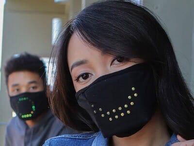 Представлена умная защитная маска с возможностью передавать эмоции.