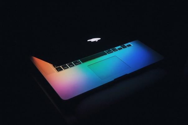 По данным Bloomberg, Apple проведет третью презентацию — после мероприятия 13 октября с анонсом iPhone 12 компания запланировала показать ноутбуки на процессорах ARM собственного производства в ноябре.