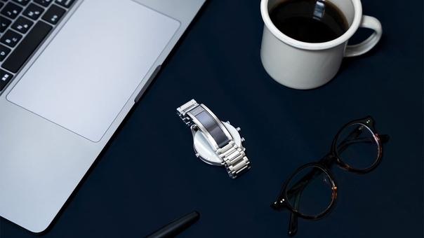 Sony представила смарт-ремешок Wena 3, который делает обычные часы «умными».