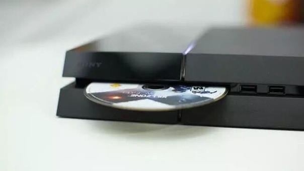 Энтузиасты из PlayStation Universe провели интересный опыт — вставили диск с игрой Marvel's Spider-Man Miles Morales для PS5 в PS4.